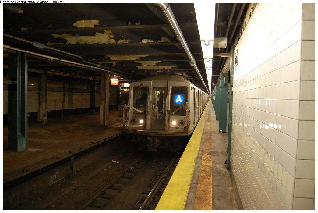 (194k, 1044x699)<br><b>Country:</b> United States<br><b>City:</b> New York<br><b>System:</b> New York City Transit<br><b>Line:</b> IND Fulton Street Line<br><b>Location:</b> Hoyt-Schermerhorn Street <br><b>Route:</b> A<br><b>Car:</b> R-40 (St. Louis, 1968)  4437 <br><b>Photo by:</b> Michael Hodurski<br><b>Date:</b> 4/8/2008<br><b>Viewed (this week/total):</b> 2 / 1203