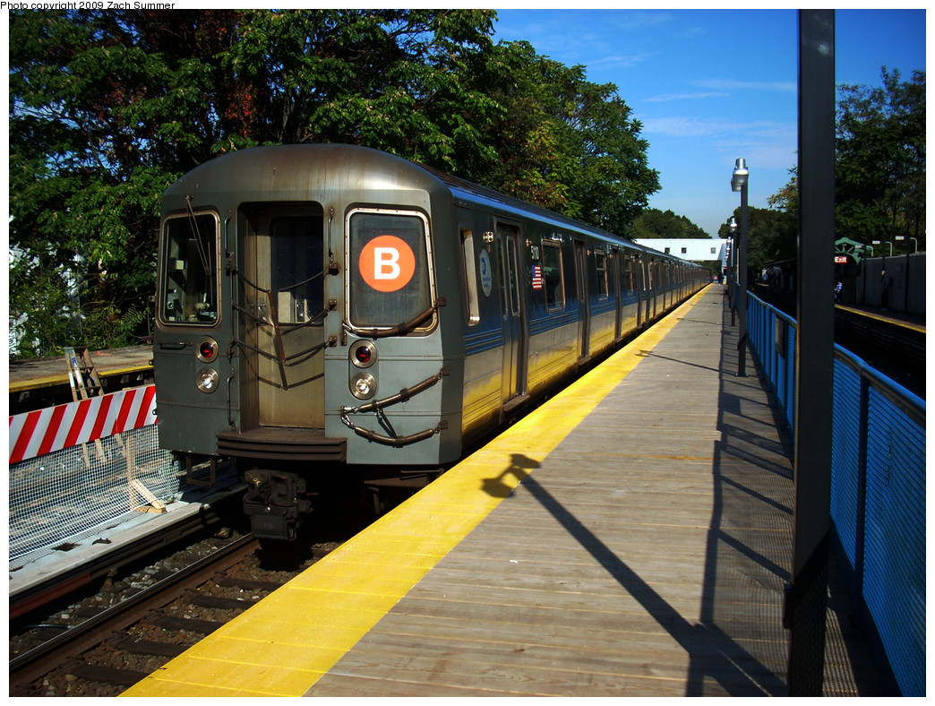 (357k, 1044x788)<br><b>Country:</b> United States<br><b>City:</b> New York<br><b>System:</b> New York City Transit<br><b>Line:</b> BMT Brighton Line<br><b>Location:</b> Avenue J <br><b>Route:</b> B<br><b>Car:</b> R-68A (Kawasaki, 1988-1989)  5110 <br><b>Photo by:</b> Zach Summer<br><b>Date:</b> 10/22/2009<br><b>Viewed (this week/total):</b> 2 / 424