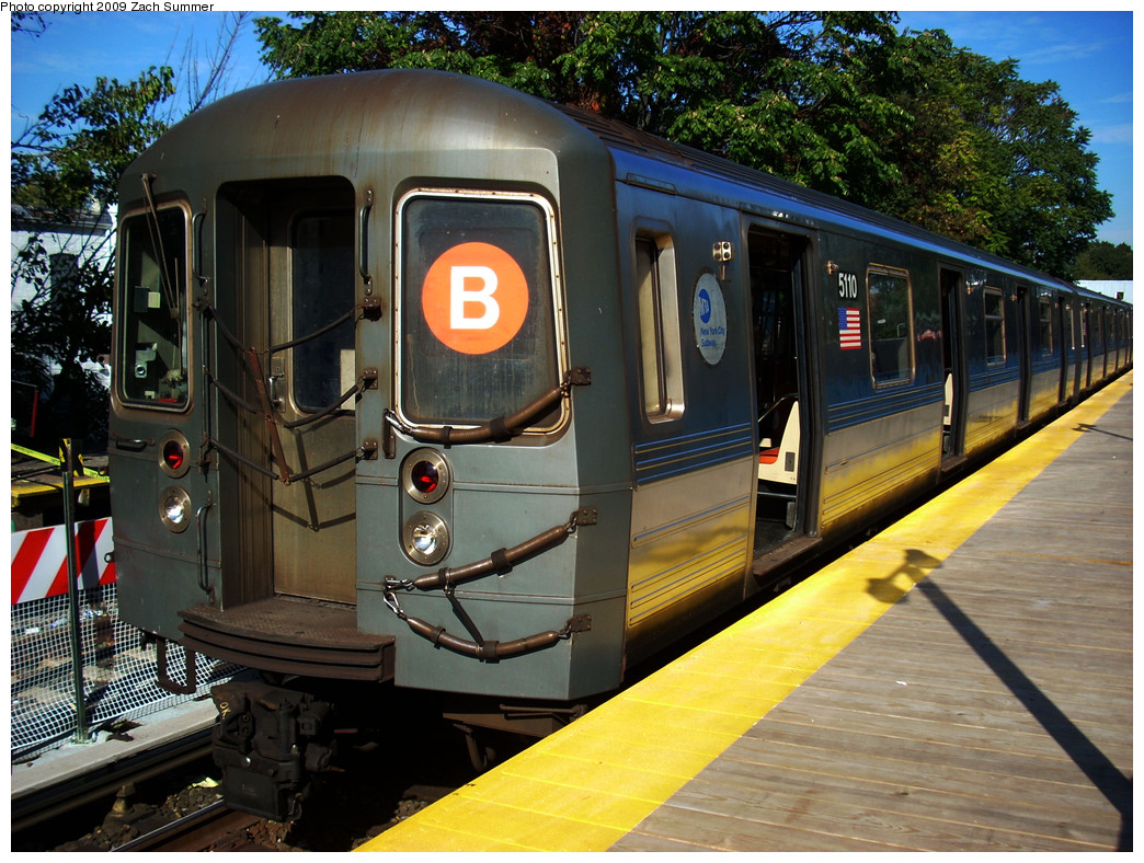 (341k, 1044x788)<br><b>Country:</b> United States<br><b>City:</b> New York<br><b>System:</b> New York City Transit<br><b>Line:</b> BMT Brighton Line<br><b>Location:</b> Avenue J <br><b>Route:</b> B<br><b>Car:</b> R-68A (Kawasaki, 1988-1989)  5110 <br><b>Photo by:</b> Zach Summer<br><b>Date:</b> 10/22/2009<br><b>Viewed (this week/total):</b> 2 / 831