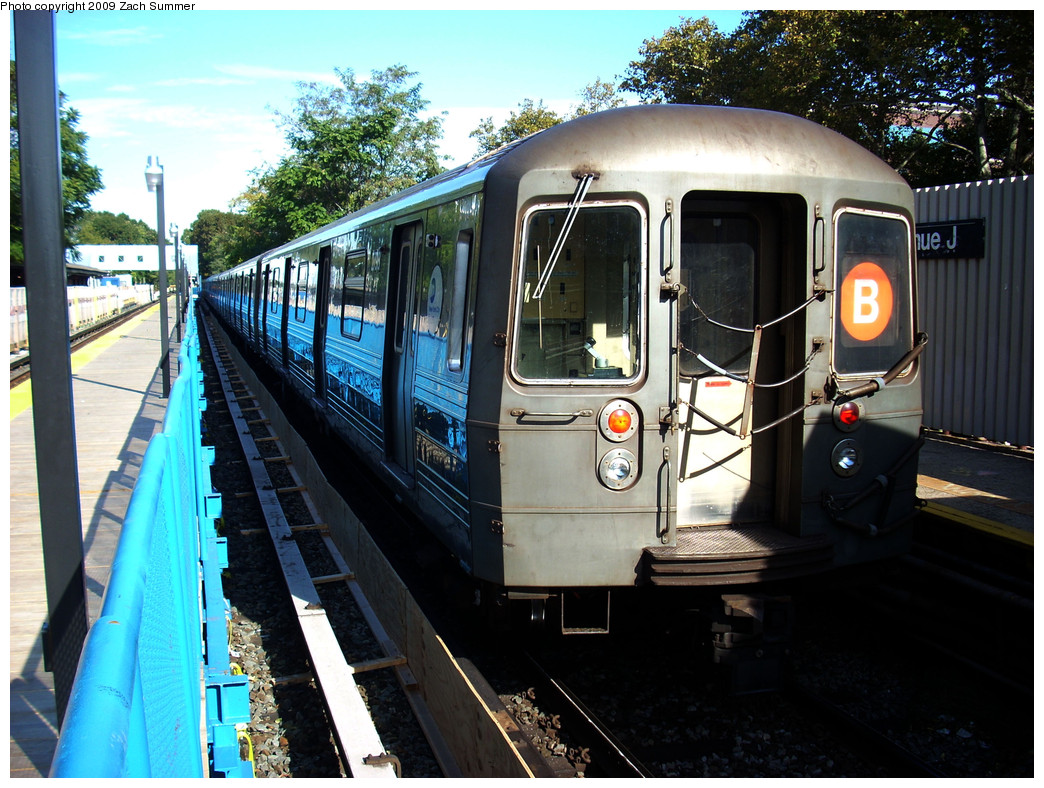(322k, 1044x788)<br><b>Country:</b> United States<br><b>City:</b> New York<br><b>System:</b> New York City Transit<br><b>Line:</b> BMT Brighton Line<br><b>Location:</b> Avenue J <br><b>Route:</b> B<br><b>Car:</b> R-68 (Westinghouse-Amrail, 1986-1988)  2798 <br><b>Photo by:</b> Zach Summer<br><b>Date:</b> 10/22/2009<br><b>Viewed (this week/total):</b> 1 / 515