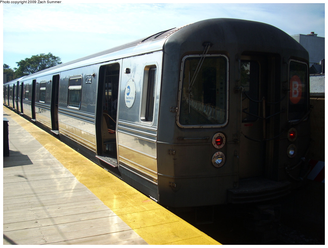 (216k, 1044x788)<br><b>Country:</b> United States<br><b>City:</b> New York<br><b>System:</b> New York City Transit<br><b>Line:</b> BMT Brighton Line<br><b>Location:</b> Kings Highway <br><b>Route:</b> B<br><b>Car:</b> R-68 (Westinghouse-Amrail, 1986-1988)  2792 <br><b>Photo by:</b> Zach Summer<br><b>Date:</b> 10/22/2009<br><b>Viewed (this week/total):</b> 0 / 736