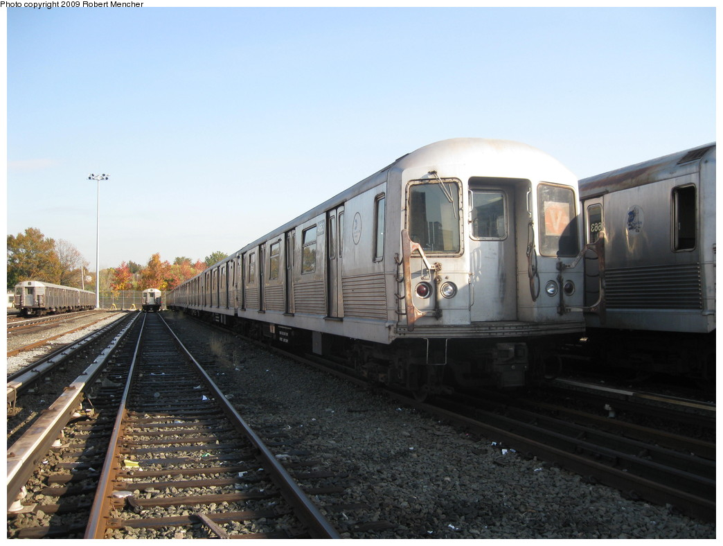 (193k, 1044x788)<br><b>Country:</b> United States<br><b>City:</b> New York<br><b>System:</b> New York City Transit<br><b>Location:</b> Jamaica Yard/Shops<br><b>Car:</b> R-42 (St. Louis, 1969-1970)  4663 <br><b>Photo by:</b> Robert Mencher<br><b>Date:</b> 11/3/2009<br><b>Viewed (this week/total):</b> 1 / 599