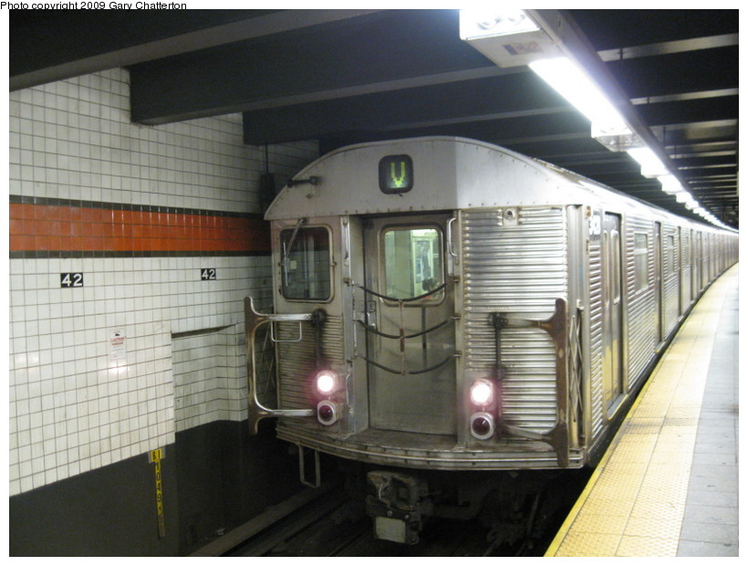 (132k, 820x620)<br><b>Country:</b> United States<br><b>City:</b> New York<br><b>System:</b> New York City Transit<br><b>Line:</b> IND 6th Avenue Line<br><b>Location:</b> 42nd Street/Bryant Park <br><b>Route:</b> V<br><b>Car:</b> R-32 (Budd, 1964)  3428 <br><b>Photo by:</b> Gary Chatterton<br><b>Date:</b> 9/22/2009<br><b>Viewed (this week/total):</b> 0 / 825