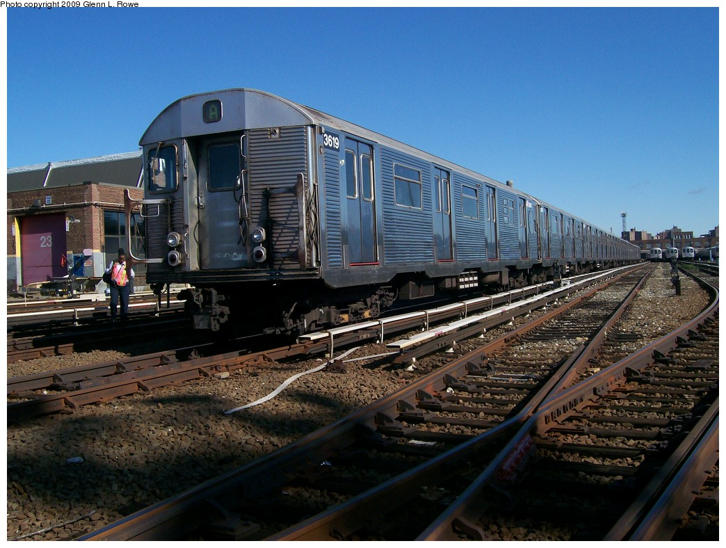 (239k, 1044x788)<br><b>Country:</b> United States<br><b>City:</b> New York<br><b>System:</b> New York City Transit<br><b>Location:</b> 207th Street Yard<br><b>Car:</b> R-32 (Budd, 1964)  3619 <br><b>Photo by:</b> Glenn L. Rowe<br><b>Date:</b> 10/6/2009<br><b>Viewed (this week/total):</b> 3 / 569