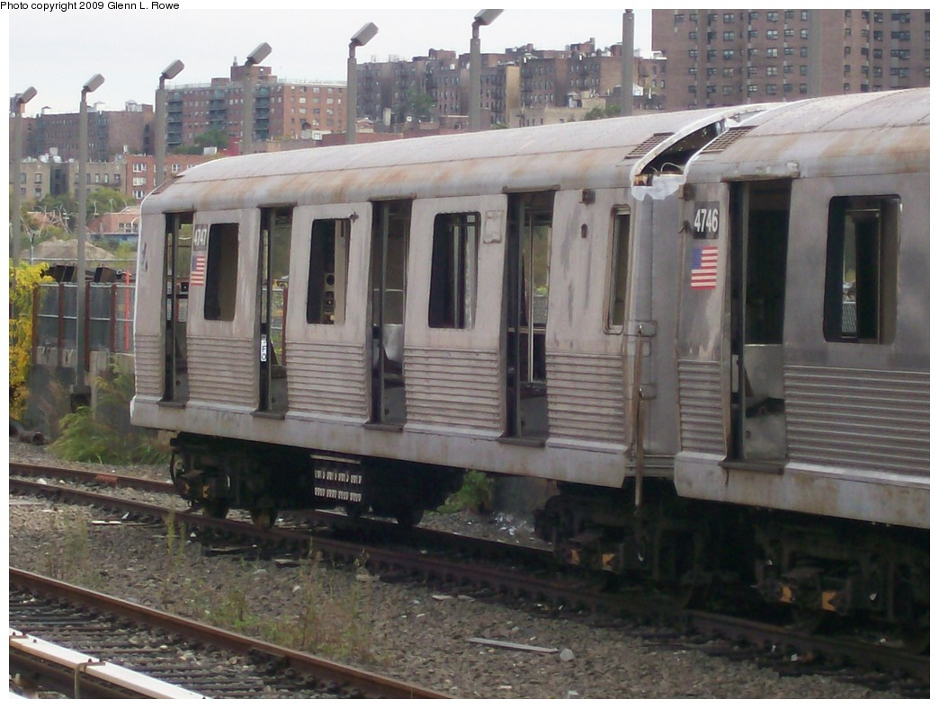 (198k, 1044x788)<br><b>Country:</b> United States<br><b>City:</b> New York<br><b>System:</b> New York City Transit<br><b>Location:</b> 207th Street Yard<br><b>Car:</b> R-42 (St. Louis, 1969-1970)  4747 <br><b>Photo by:</b> Glenn L. Rowe<br><b>Date:</b> 10/12/2009<br><b>Notes:</b> Scrap<br><b>Viewed (this week/total):</b> 2 / 338