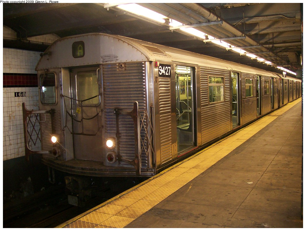 (233k, 1044x788)<br><b>Country:</b> United States<br><b>City:</b> New York<br><b>System:</b> New York City Transit<br><b>Line:</b> IND 8th Avenue Line<br><b>Location:</b> 168th Street <br><b>Route:</b> A<br><b>Car:</b> R-32 (Budd, 1964)  3427 <br><b>Photo by:</b> Glenn L. Rowe<br><b>Date:</b> 10/14/2009<br><b>Viewed (this week/total):</b> 0 / 315