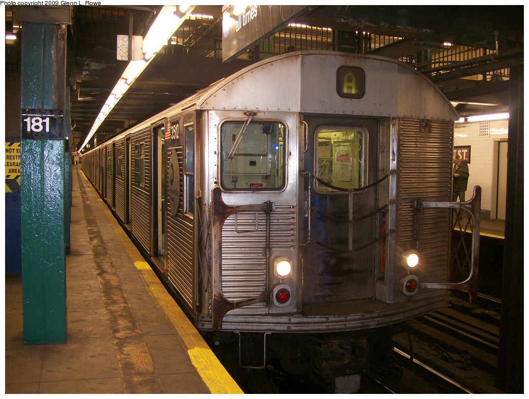(232k, 1044x788)<br><b>Country:</b> United States<br><b>City:</b> New York<br><b>System:</b> New York City Transit<br><b>Line:</b> IND 8th Avenue Line<br><b>Location:</b> 181st Street <br><b>Route:</b> A<br><b>Car:</b> R-32 (Budd, 1964)  3512 <br><b>Photo by:</b> Glenn L. Rowe<br><b>Date:</b> 10/27/2009<br><b>Viewed (this week/total):</b> 0 / 364