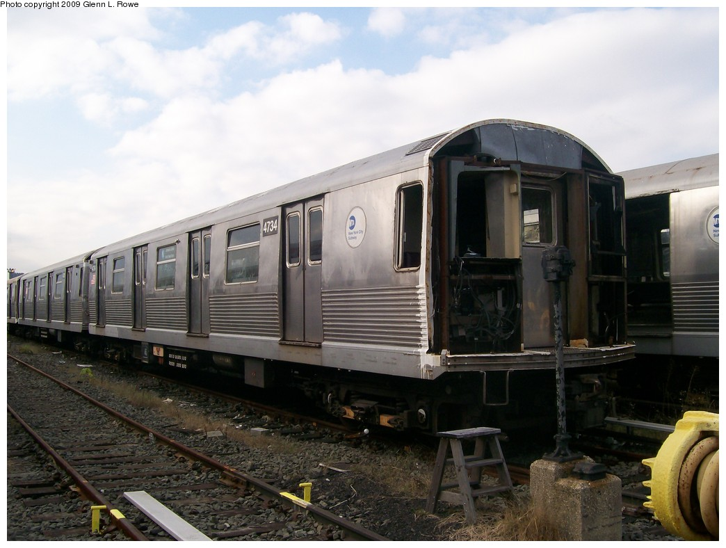 (186k, 1044x788)<br><b>Country:</b> United States<br><b>City:</b> New York<br><b>System:</b> New York City Transit<br><b>Location:</b> 207th Street Yard<br><b>Car:</b> R-42 (St. Louis, 1969-1970)  4734 <br><b>Photo by:</b> Glenn L. Rowe<br><b>Date:</b> 11/5/2009<br><b>Notes:</b> Scrap<br><b>Viewed (this week/total):</b> 1 / 535