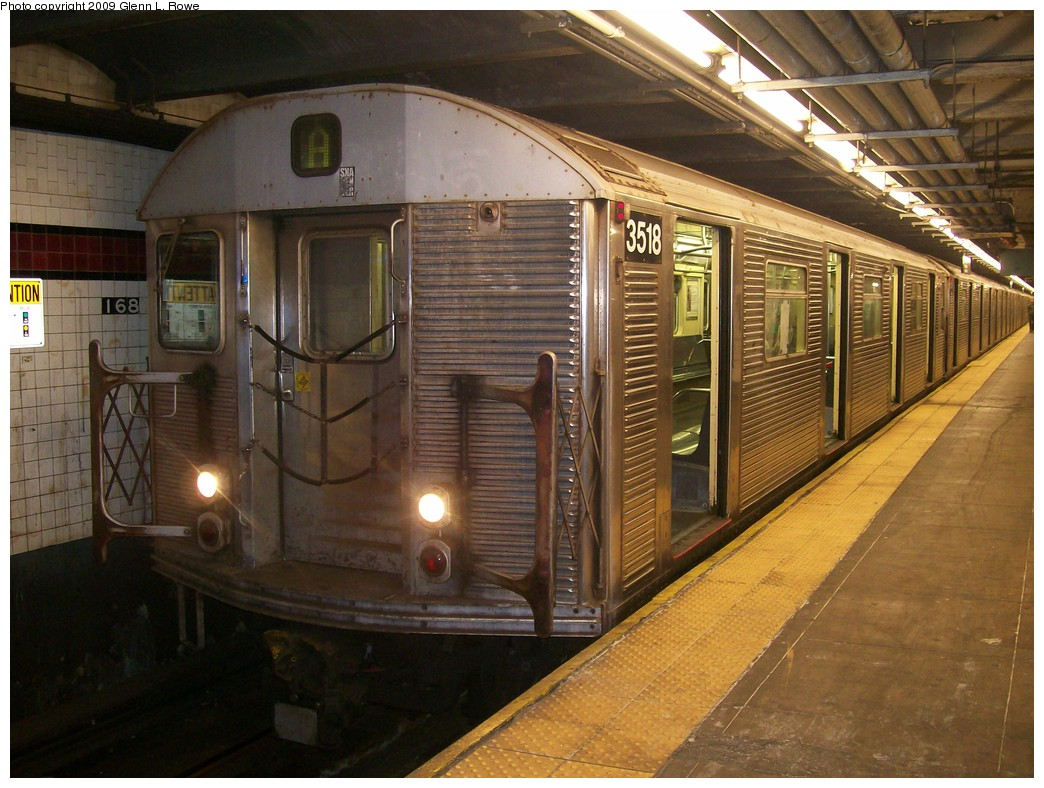 (226k, 1044x788)<br><b>Country:</b> United States<br><b>City:</b> New York<br><b>System:</b> New York City Transit<br><b>Line:</b> IND 8th Avenue Line<br><b>Location:</b> 168th Street <br><b>Route:</b> A<br><b>Car:</b> R-32 (Budd, 1964)  3518 <br><b>Photo by:</b> Glenn L. Rowe<br><b>Date:</b> 11/10/2009<br><b>Viewed (this week/total):</b> 2 / 803