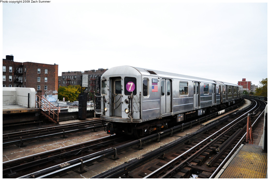 (222k, 1044x700)<br><b>Country:</b> United States<br><b>City:</b> New York<br><b>System:</b> New York City Transit<br><b>Line:</b> IRT Flushing Line<br><b>Location:</b> 46th Street/Bliss Street <br><b>Route:</b> 7<br><b>Car:</b> R-62A (Bombardier, 1984-1987)  1800 <br><b>Photo by:</b> Zach Summer<br><b>Date:</b> 10/23/2009<br><b>Viewed (this week/total):</b> 0 / 1083