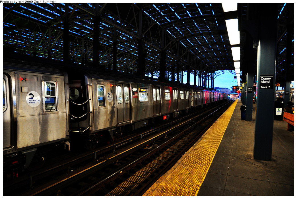 (318k, 1044x700)<br><b>Country:</b> United States<br><b>City:</b> New York<br><b>System:</b> New York City Transit<br><b>Location:</b> Coney Island/Stillwell Avenue<br><b>Route:</b> F<br><b>Car:</b> R-160A (Option 1) (Alstom, 2008-2009, 5 car sets)  9387 <br><b>Photo by:</b> Zach Summer<br><b>Date:</b> 10/23/2009<br><b>Viewed (this week/total):</b> 0 / 1165