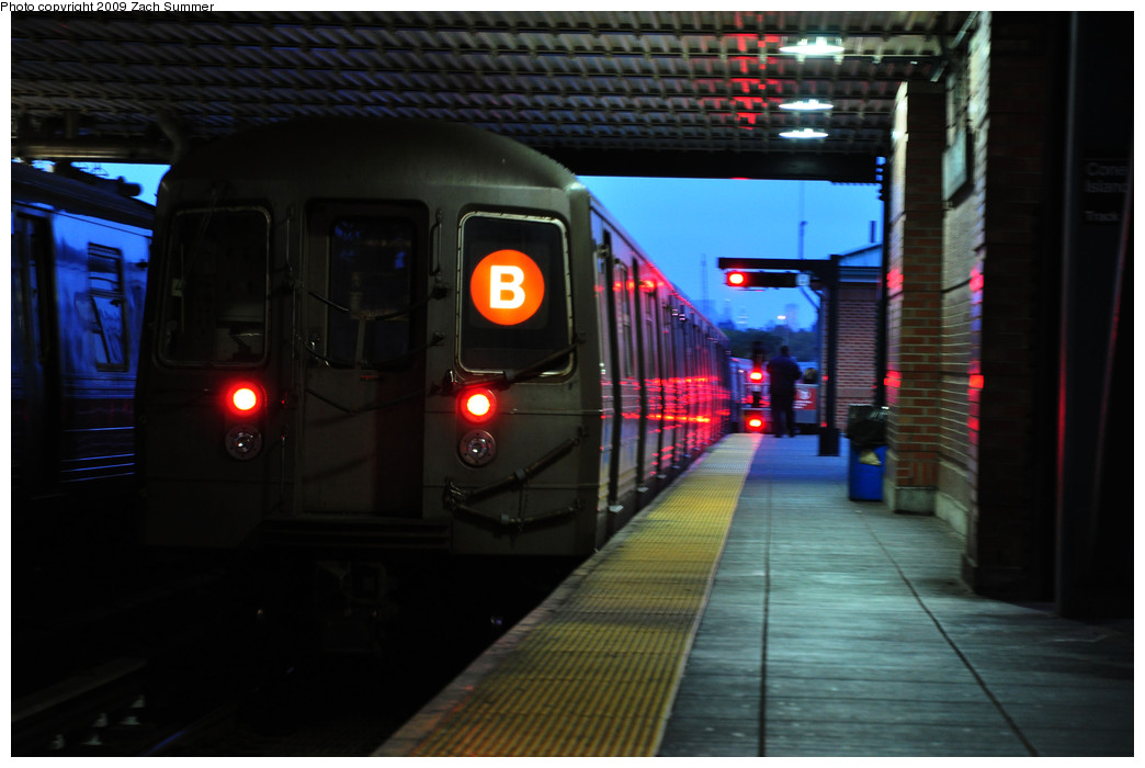 (193k, 1044x700)<br><b>Country:</b> United States<br><b>City:</b> New York<br><b>System:</b> New York City Transit<br><b>Location:</b> Coney Island/Stillwell Avenue<br><b>Route:</b> B Yard Move<br><b>Car:</b> R-68 (Westinghouse-Amrail, 1986-1988)  2868 <br><b>Photo by:</b> Zach Summer<br><b>Date:</b> 10/23/2009<br><b>Viewed (this week/total):</b> 7 / 827