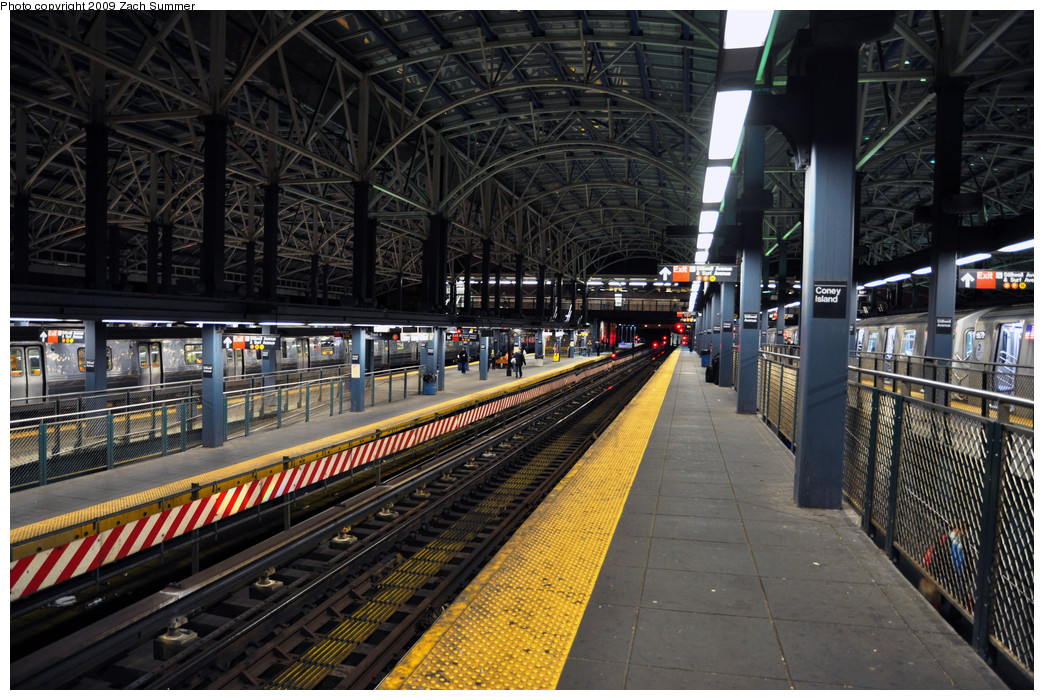 (315k, 1044x700)<br><b>Country:</b> United States<br><b>City:</b> New York<br><b>System:</b> New York City Transit<br><b>Location:</b> Coney Island/Stillwell Avenue<br><b>Photo by:</b> Zach Summer<br><b>Date:</b> 10/23/2009<br><b>Viewed (this week/total):</b> 1 / 985