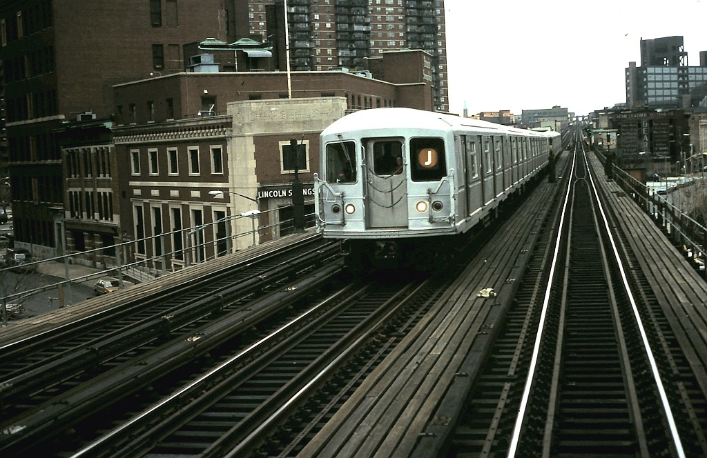 (207k, 1024x664)<br><b>Country:</b> United States<br><b>City:</b> New York<br><b>System:</b> New York City Transit<br><b>Line:</b> BMT Nassau Street/Jamaica Line<br><b>Location:</b> Lorimer Street <br><b>Route:</b> J<br><b>Car:</b> R-40M (St. Louis, 1969)   <br><b>Collection of:</b> John Barnes<br><b>Date:</b> 1/29/1990<br><b>Viewed (this week/total):</b> 6 / 1653