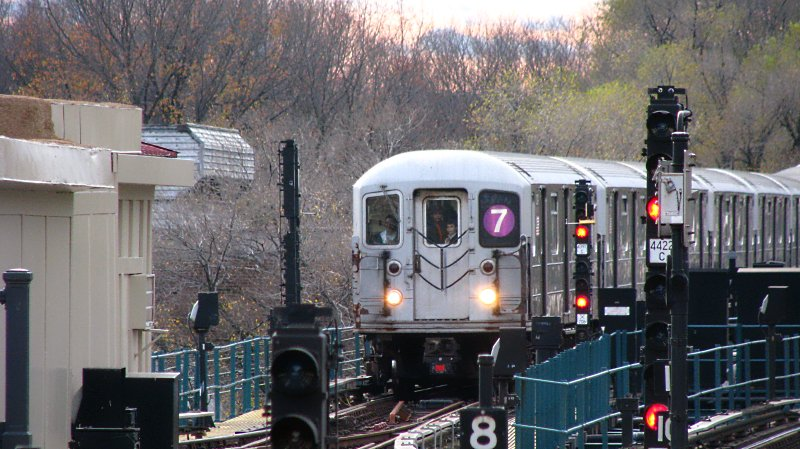 (108k, 800x449)<br><b>Country:</b> United States<br><b>City:</b> New York<br><b>System:</b> New York City Transit<br><b>Line:</b> IRT Flushing Line<br><b>Location:</b> Willets Point/Mets (fmr. Shea Stadium) <br><b>Route:</b> 7<br><b>Car:</b> R-62A (Bombardier, 1984-1987)   <br><b>Photo by:</b> Bill E.<br><b>Date:</b> 11/27/2009<br><b>Viewed (this week/total):</b> 0 / 412