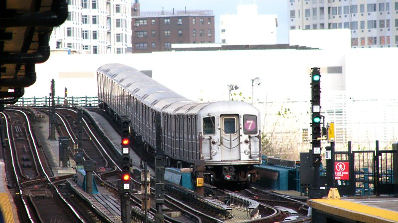 (100k, 800x449)<br><b>Country:</b> United States<br><b>City:</b> New York<br><b>System:</b> New York City Transit<br><b>Line:</b> IRT Flushing Line<br><b>Location:</b> Willets Point/Mets (fmr. Shea Stadium) <br><b>Route:</b> 7<br><b>Car:</b> R-62A (Bombardier, 1984-1987)   <br><b>Photo by:</b> Bill E.<br><b>Date:</b> 11/27/2009<br><b>Viewed (this week/total):</b> 0 / 704