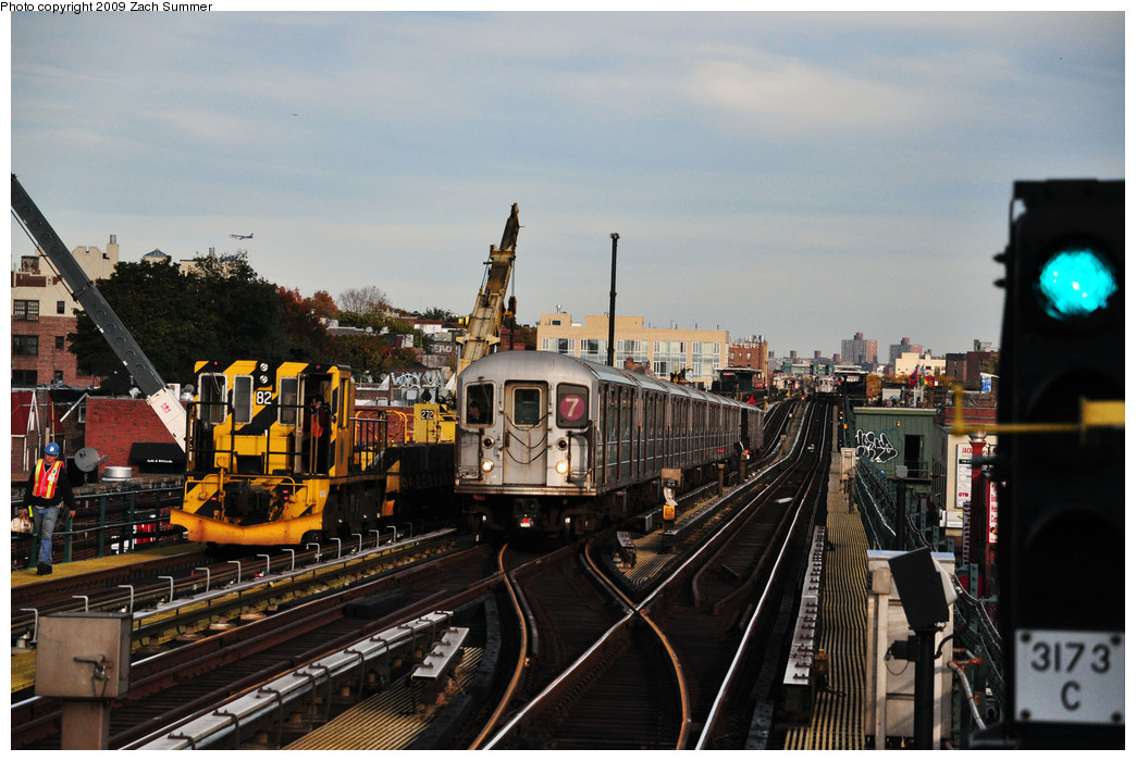 (257k, 1044x700)<br><b>Country:</b> United States<br><b>City:</b> New York<br><b>System:</b> New York City Transit<br><b>Line:</b> IRT Flushing Line<br><b>Location:</b> 74th Street/Broadway <br><b>Route:</b> 7<br><b>Car:</b> R-62A (Bombardier, 1984-1987)   <br><b>Photo by:</b> Zach Summer<br><b>Date:</b> 10/25/2009<br><b>Viewed (this week/total):</b> 1 / 853