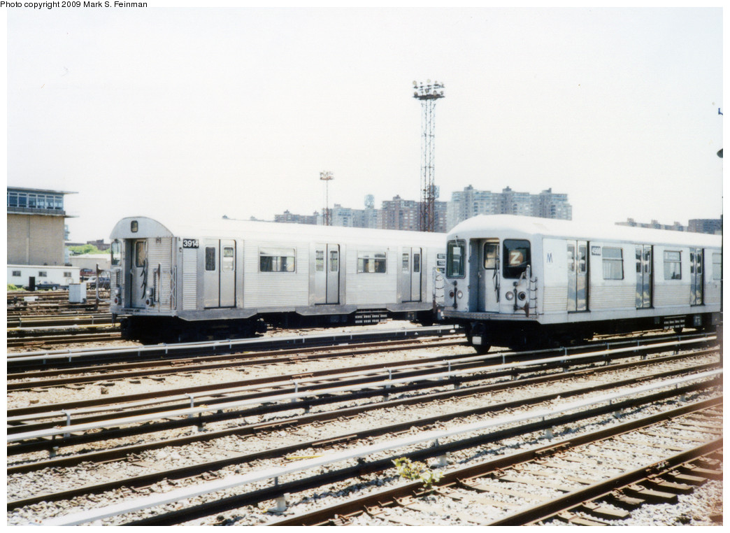 (243k, 1044x762)<br><b>Country:</b> United States<br><b>City:</b> New York<br><b>System:</b> New York City Transit<br><b>Location:</b> Coney Island Yard<br><b>Car:</b> R-32 (Budd, 1964)  3914 <br><b>Photo by:</b> Mark S. Feinman<br><b>Date:</b> 5/30/1993<br><b>Notes:</b> With R42 4588<br><b>Viewed (this week/total):</b> 2 / 774