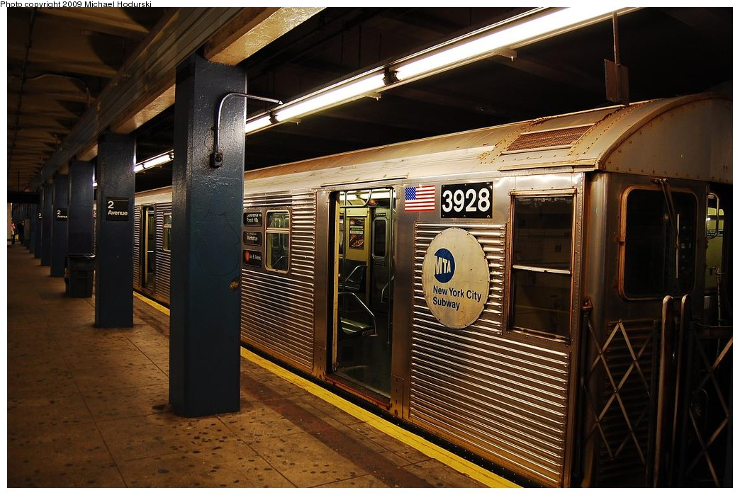 (241k, 1044x699)<br><b>Country:</b> United States<br><b>City:</b> New York<br><b>System:</b> New York City Transit<br><b>Line:</b> IND 6th Avenue Line<br><b>Location:</b> 2nd Avenue <br><b>Route:</b> V<br><b>Car:</b> R-32 (Budd, 1964)  3928 <br><b>Photo by:</b> Michael Hodurski<br><b>Date:</b> 12/10/2009<br><b>Viewed (this week/total):</b> 1 / 369