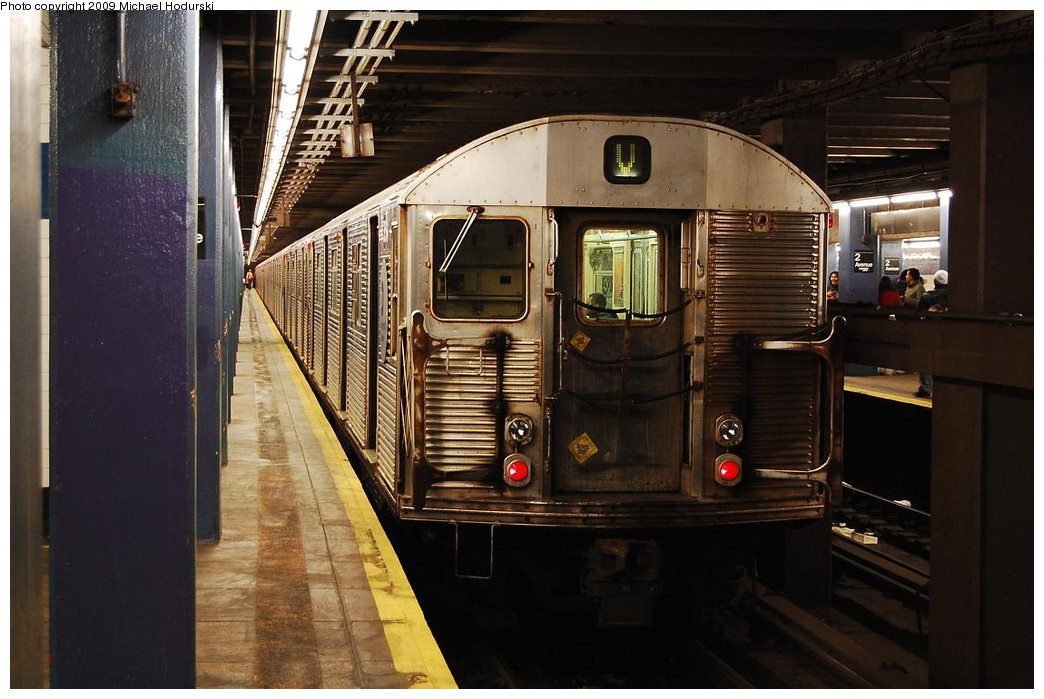 (217k, 1044x699)<br><b>Country:</b> United States<br><b>City:</b> New York<br><b>System:</b> New York City Transit<br><b>Line:</b> IND 6th Avenue Line<br><b>Location:</b> 2nd Avenue <br><b>Route:</b> V<br><b>Car:</b> R-32 (Budd, 1964)   <br><b>Photo by:</b> Michael Hodurski<br><b>Date:</b> 12/10/2009<br><b>Viewed (this week/total):</b> 0 / 513