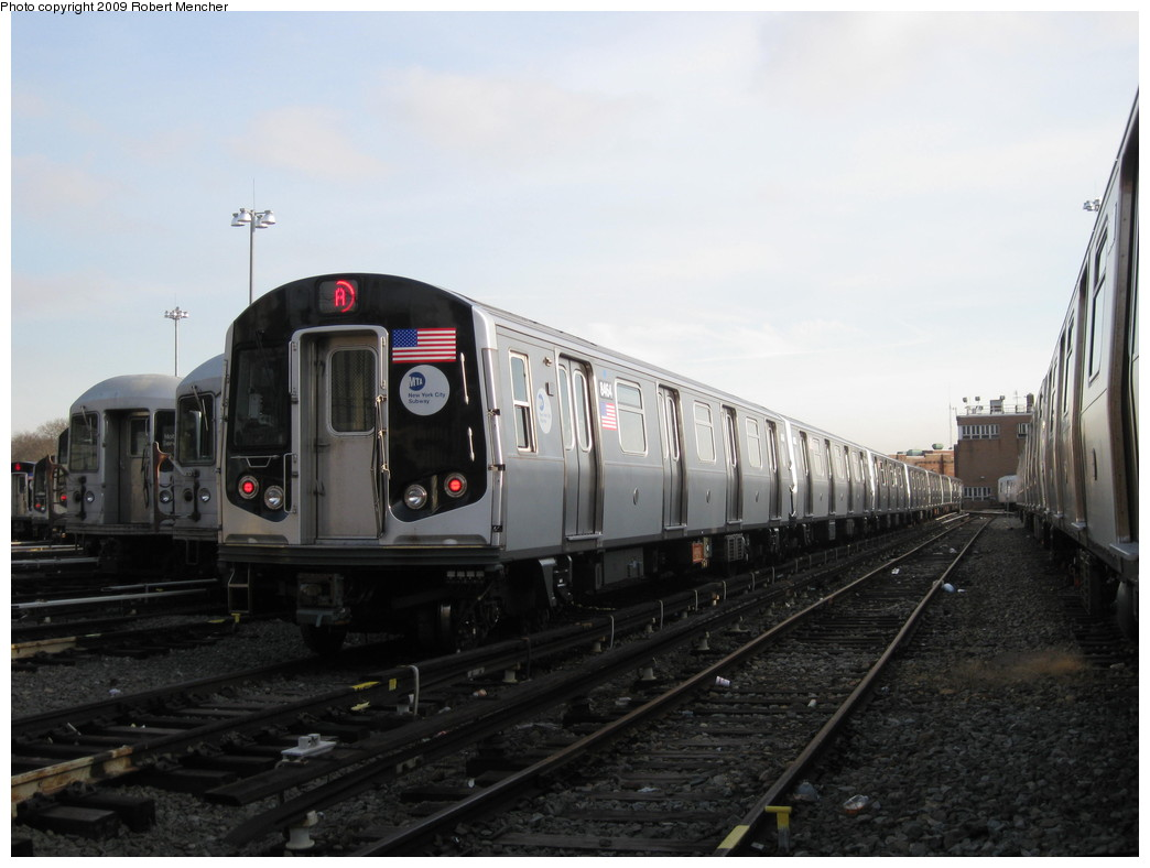 (162k, 1044x788)<br><b>Country:</b> United States<br><b>City:</b> New York<br><b>System:</b> New York City Transit<br><b>Location:</b> East New York Yard/Shops<br><b>Car:</b> R-160A-1 (Alstom, 2005-2008, 4 car sets)  8464 <br><b>Photo by:</b> Robert Mencher<br><b>Date:</b> 12/14/2009<br><b>Viewed (this week/total):</b> 1 / 579