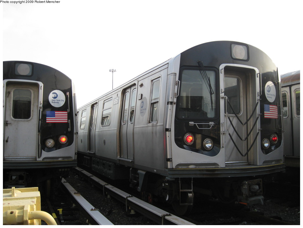 (149k, 1044x788)<br><b>Country:</b> United States<br><b>City:</b> New York<br><b>System:</b> New York City Transit<br><b>Location:</b> East New York Yard/Shops<br><b>Car:</b> R-143 (Kawasaki, 2001-2002) 8157 <br><b>Photo by:</b> Robert Mencher<br><b>Date:</b> 12/14/2009<br><b>Viewed (this week/total):</b> 1 / 372