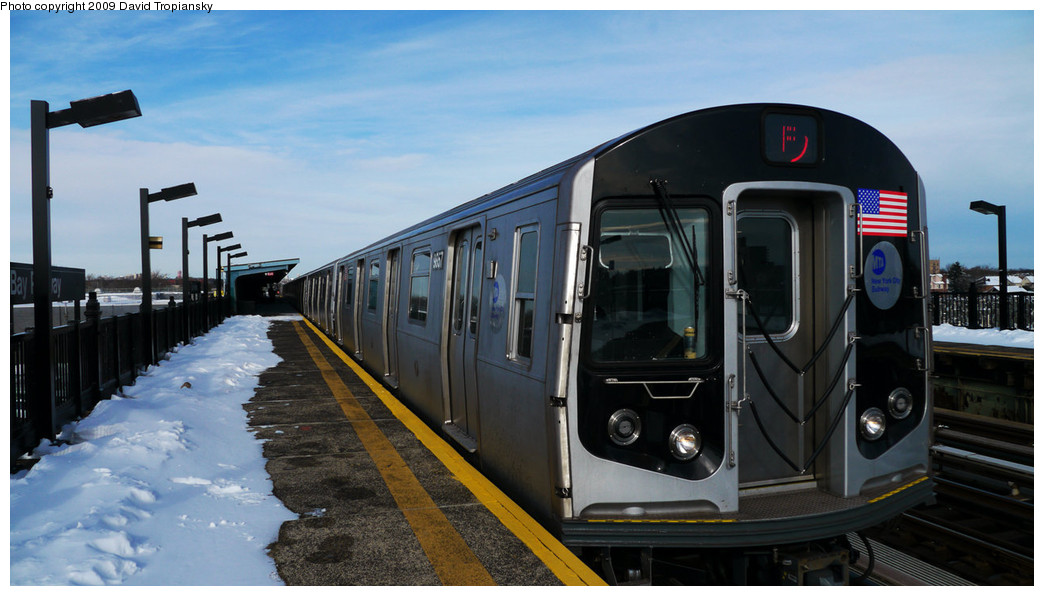 (201k, 1044x596)<br><b>Country:</b> United States<br><b>City:</b> New York<br><b>System:</b> New York City Transit<br><b>Line:</b> BMT Culver Line<br><b>Location:</b> Bay Parkway (22nd Avenue) <br><b>Route:</b> F<br><b>Car:</b> R-160B (Option 2) (Kawasaki, 2009)  9867 <br><b>Photo by:</b> David Tropiansky<br><b>Date:</b> 12/20/2009<br><b>Viewed (this week/total):</b> 4 / 1019