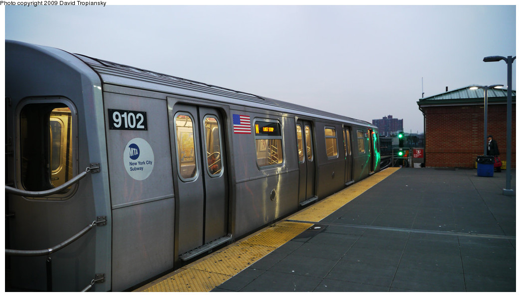 (165k, 1044x596)<br><b>Country:</b> United States<br><b>City:</b> New York<br><b>System:</b> New York City Transit<br><b>Location:</b> Coney Island/Stillwell Avenue<br><b>Route:</b> N<br><b>Car:</b> R-160B (Option 1) (Kawasaki, 2008-2009)  9102 <br><b>Photo by:</b> David Tropiansky<br><b>Date:</b> 12/7/2009<br><b>Viewed (this week/total):</b> 3 / 1150