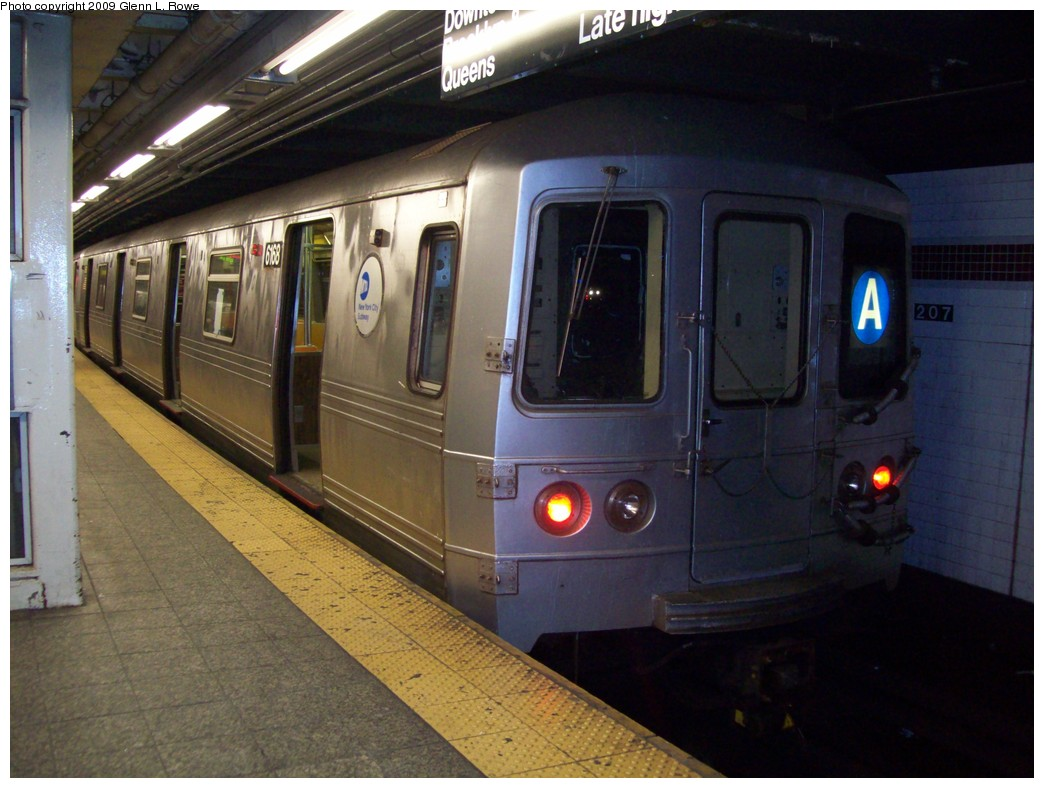 (199k, 1044x788)<br><b>Country:</b> United States<br><b>City:</b> New York<br><b>System:</b> New York City Transit<br><b>Line:</b> IND 8th Avenue Line<br><b>Location:</b> 207th Street <br><b>Route:</b> A<br><b>Car:</b> R-46 (Pullman-Standard, 1974-75) 6168 <br><b>Photo by:</b> Glenn L. Rowe<br><b>Date:</b> 12/23/2009<br><b>Viewed (this week/total):</b> 0 / 367