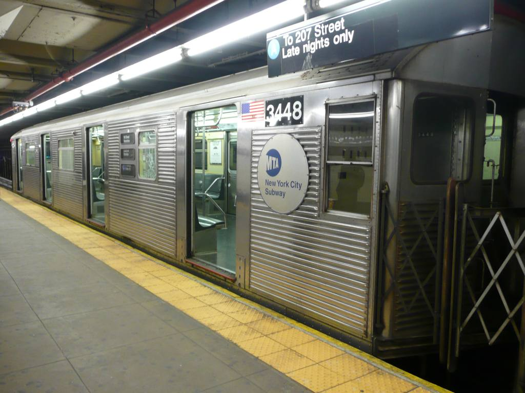 (102k, 1024x768)<br><b>Country:</b> United States<br><b>City:</b> New York<br><b>System:</b> New York City Transit<br><b>Line:</b> IND 8th Avenue Line<br><b>Location:</b> 168th Street <br><b>Route:</b> A<br><b>Car:</b> R-32 (Budd, 1964)  3448 <br><b>Photo by:</b> Robbie Rosenfeld<br><b>Date:</b> 12/17/2009<br><b>Viewed (this week/total):</b> 3 / 1151