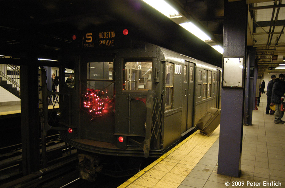 (171k, 930x613)<br><b>Country:</b> United States<br><b>City:</b> New York<br><b>System:</b> New York City Transit<br><b>Line:</b> IND Queens Boulevard Line<br><b>Location:</b> Queens Plaza <br><b>Car:</b> R-6-3 (American Car & Foundry, 1935)  1000 <br><b>Photo by:</b> Peter Ehrlich<br><b>Date:</b> 12/13/2009<br><b>Notes:</b> Outbound<br><b>Viewed (this week/total):</b> 3 / 810
