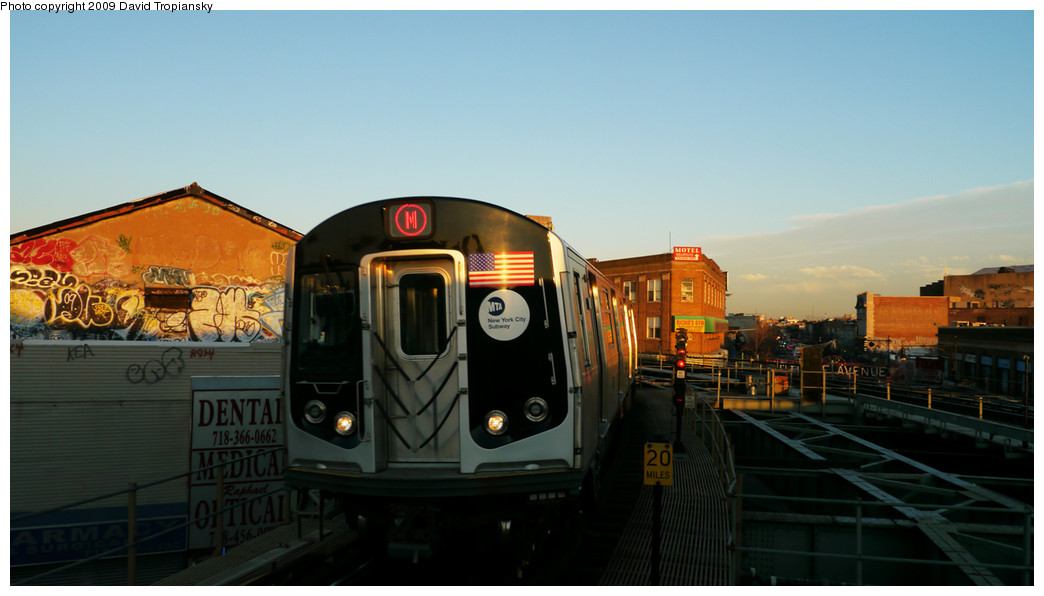 (172k, 1044x596)<br><b>Country:</b> United States<br><b>City:</b> New York<br><b>System:</b> New York City Transit<br><b>Line:</b> BMT Myrtle Avenue Line<br><b>Location:</b> Wyckoff Avenue <br><b>Route:</b> M<br><b>Car:</b> R-160A-1 (Alstom, 2005-2008, 4 car sets)   <br><b>Photo by:</b> David Tropiansky<br><b>Date:</b> 12/27/2009<br><b>Viewed (this week/total):</b> 1 / 667