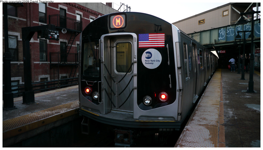 (195k, 1044x596)<br><b>Country:</b> United States<br><b>City:</b> New York<br><b>System:</b> New York City Transit<br><b>Line:</b> BMT Nassau Street/Jamaica Line<br><b>Location:</b> Myrtle Avenue <br><b>Route:</b> M<br><b>Car:</b> R-160A-1 (Alstom, 2005-2008, 4 car sets)  8636 <br><b>Photo by:</b> David Tropiansky<br><b>Date:</b> 12/27/2009<br><b>Viewed (this week/total):</b> 4 / 697