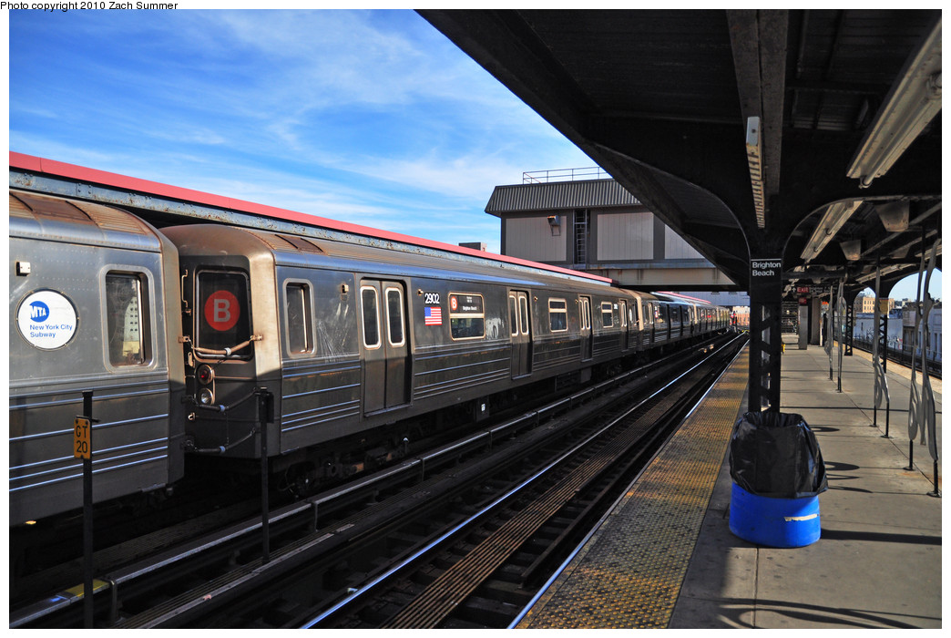 (259k, 1044x700)<br><b>Country:</b> United States<br><b>City:</b> New York<br><b>System:</b> New York City Transit<br><b>Line:</b> BMT Brighton Line<br><b>Location:</b> Brighton Beach <br><b>Route:</b> B<br><b>Car:</b> R-68 (Westinghouse-Amrail, 1986-1988)  2902 <br><b>Photo by:</b> Zach Summer<br><b>Date:</b> 10/26/2009<br><b>Viewed (this week/total):</b> 0 / 545