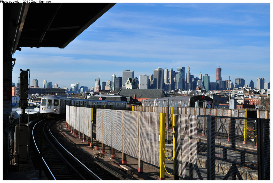 (270k, 1044x700)<br><b>Country:</b> United States<br><b>City:</b> New York<br><b>System:</b> New York City Transit<br><b>Line:</b> IND Crosstown Line<br><b>Location:</b> Smith/9th Street <br><b>Route:</b> G<br><b>Car:</b> R-46 (Pullman-Standard, 1974-75) 5584 <br><b>Photo by:</b> Zach Summer<br><b>Date:</b> 1/6/2010<br><b>Notes:</b> With R160A 9513 on F<br><b>Viewed (this week/total):</b> 5 / 1672