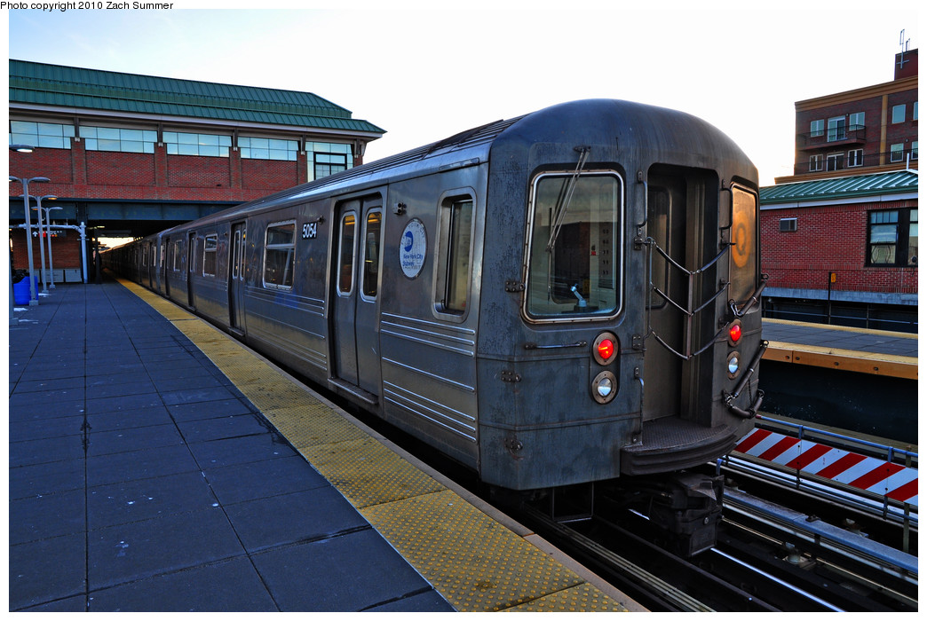 (269k, 1044x700)<br><b>Country:</b> United States<br><b>City:</b> New York<br><b>System:</b> New York City Transit<br><b>Location:</b> Coney Island/Stillwell Avenue<br><b>Route:</b> Q<br><b>Car:</b> R-68A (Kawasaki, 1988-1989)  5054 <br><b>Photo by:</b> Zach Summer<br><b>Date:</b> 1/6/2010<br><b>Viewed (this week/total):</b> 5 / 491