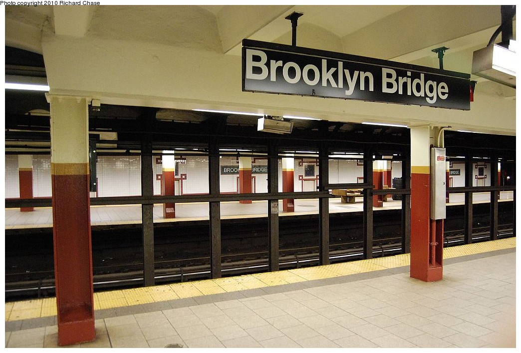 (202k, 1044x707)<br><b>Country:</b> United States<br><b>City:</b> New York<br><b>System:</b> New York City Transit<br><b>Line:</b> IRT East Side Line<br><b>Location:</b> Brooklyn Bridge/City Hall <br><b>Photo by:</b> Richard Chase<br><b>Date:</b> 12/27/2009<br><b>Notes:</b> Platform view.<br><b>Viewed (this week/total):</b> 1 / 1560