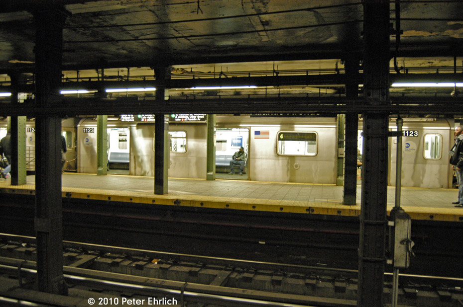 (196k, 930x618)<br><b>Country:</b> United States<br><b>City:</b> New York<br><b>System:</b> New York City Transit<br><b>Line:</b> IRT Brooklyn Line<br><b>Location:</b> Atlantic Avenue <br><b>Route:</b> 4<br><b>Car:</b> R-142 (Option Order, Bombardier, 2002-2003)  1123 <br><b>Photo by:</b> Peter Ehrlich<br><b>Date:</b> 1/6/2010<br><b>Notes:</b> Outbound to Utica Avenue.<br><b>Viewed (this week/total):</b> 2 / 1118