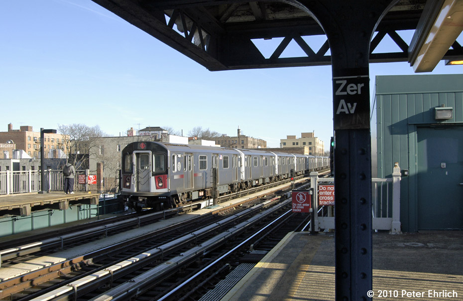 (182k, 930x604)<br><b>Country:</b> United States<br><b>City:</b> New York<br><b>System:</b> New York City Transit<br><b>Line:</b> IRT Pelham Line<br><b>Location:</b> Zerega Avenue <br><b>Route:</b> 6<br><b>Car:</b> R-142A (Primary Order, Kawasaki, 1999-2002)  7461 <br><b>Photo by:</b> Peter Ehrlich<br><b>Date:</b> 1/6/2010<br><b>Notes:</b> Inbound<br><b>Viewed (this week/total):</b> 3 / 352
