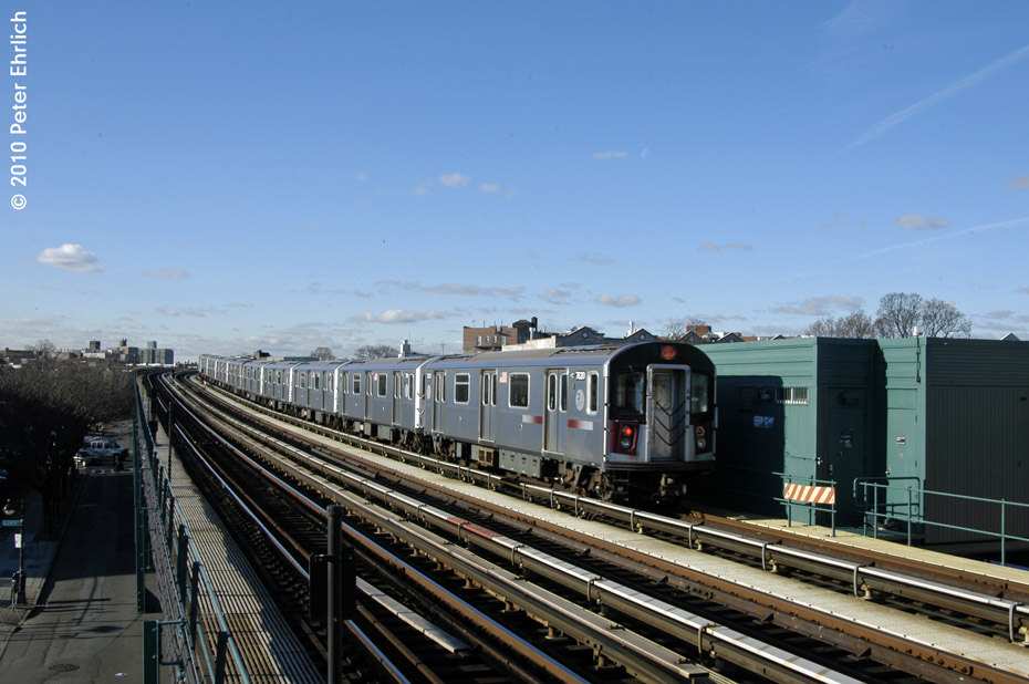 (162k, 930x618)<br><b>Country:</b> United States<br><b>City:</b> New York<br><b>System:</b> New York City Transit<br><b>Line:</b> IRT Pelham Line<br><b>Location:</b> Zerega Avenue <br><b>Route:</b> 6<br><b>Car:</b> R-142A (Option Order, Kawasaki, 2002-2003)  7620 <br><b>Photo by:</b> Peter Ehrlich<br><b>Date:</b> 1/6/2010<br><b>Notes:</b> Inbound<br><b>Viewed (this week/total):</b> 1 / 314