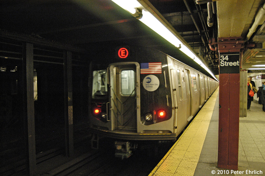 (186k, 930x618)<br><b>Country:</b> United States<br><b>City:</b> New York<br><b>System:</b> New York City Transit<br><b>Line:</b> IND 8th Avenue Line<br><b>Location:</b> 34th Street/Penn Station <br><b>Route:</b> E<br><b>Car:</b> R-160B (Option 1) (Kawasaki, 2008-2009)  9212 <br><b>Photo by:</b> Peter Ehrlich<br><b>Date:</b> 1/6/2010<br><b>Notes:</b> Outbound<br><b>Viewed (this week/total):</b> 4 / 880