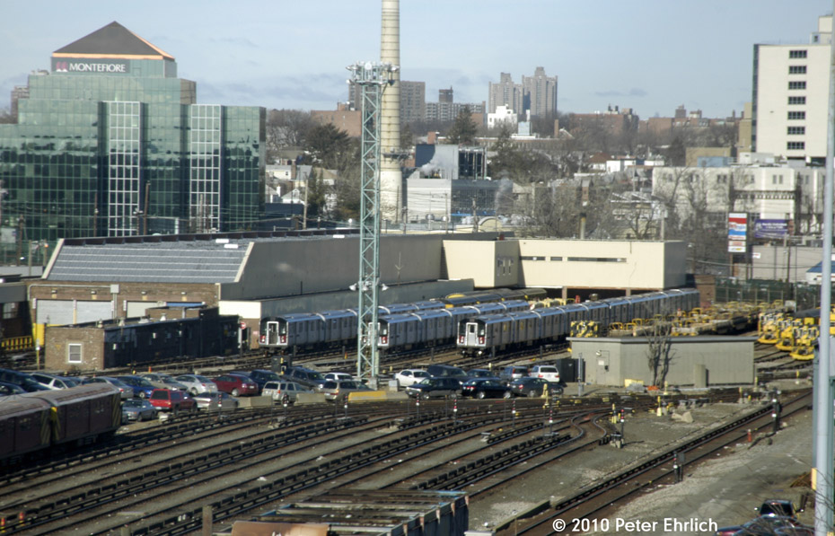 (196k, 930x597)<br><b>Country:</b> United States<br><b>City:</b> New York<br><b>System:</b> New York City Transit<br><b>Location:</b> Westchester Yard<br><b>Photo by:</b> Peter Ehrlich<br><b>Date:</b> 1/6/2010<br><b>Viewed (this week/total):</b> 1 / 601