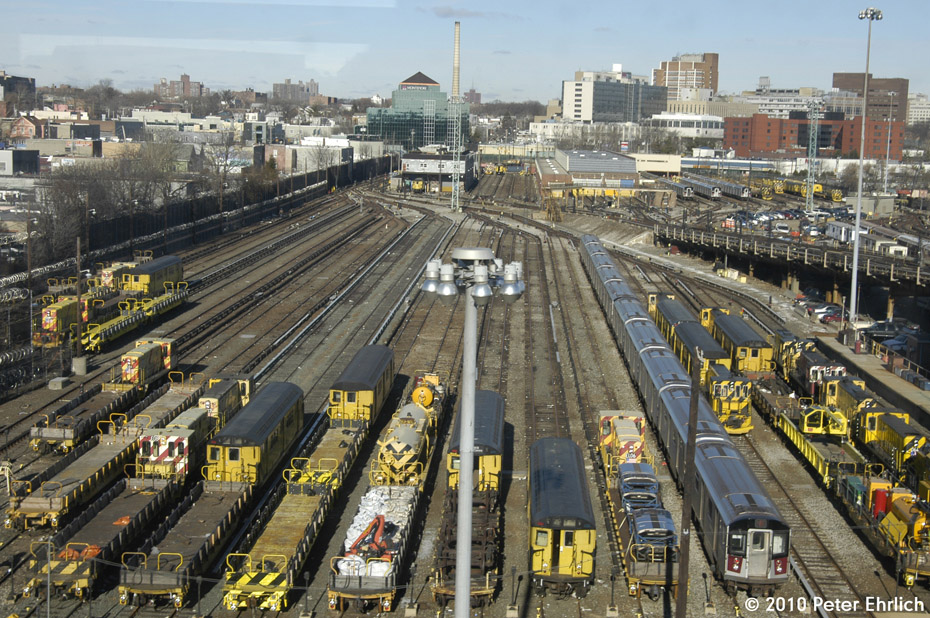 (273k, 930x618)<br><b>Country:</b> United States<br><b>City:</b> New York<br><b>System:</b> New York City Transit<br><b>Location:</b> Westchester Yard<br><b>Photo by:</b> Peter Ehrlich<br><b>Date:</b> 1/6/2010<br><b>Viewed (this week/total):</b> 0 / 737
