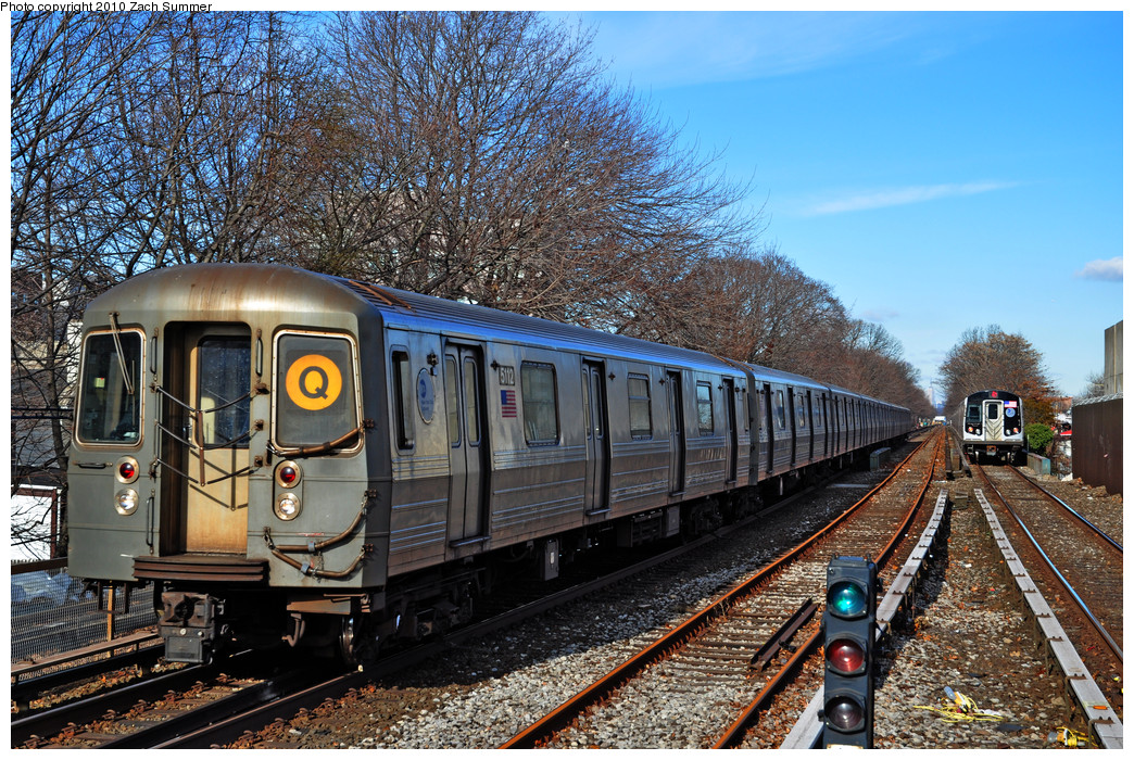 (411k, 1044x700)<br><b>Country:</b> United States<br><b>City:</b> New York<br><b>System:</b> New York City Transit<br><b>Line:</b> BMT Brighton Line<br><b>Location:</b> Kings Highway <br><b>Route:</b> Q<br><b>Car:</b> R-68A (Kawasaki, 1988-1989)  5112 <br><b>Photo by:</b> Zach Summer<br><b>Date:</b> 1/7/2010<br><b>Viewed (this week/total):</b> 0 / 578