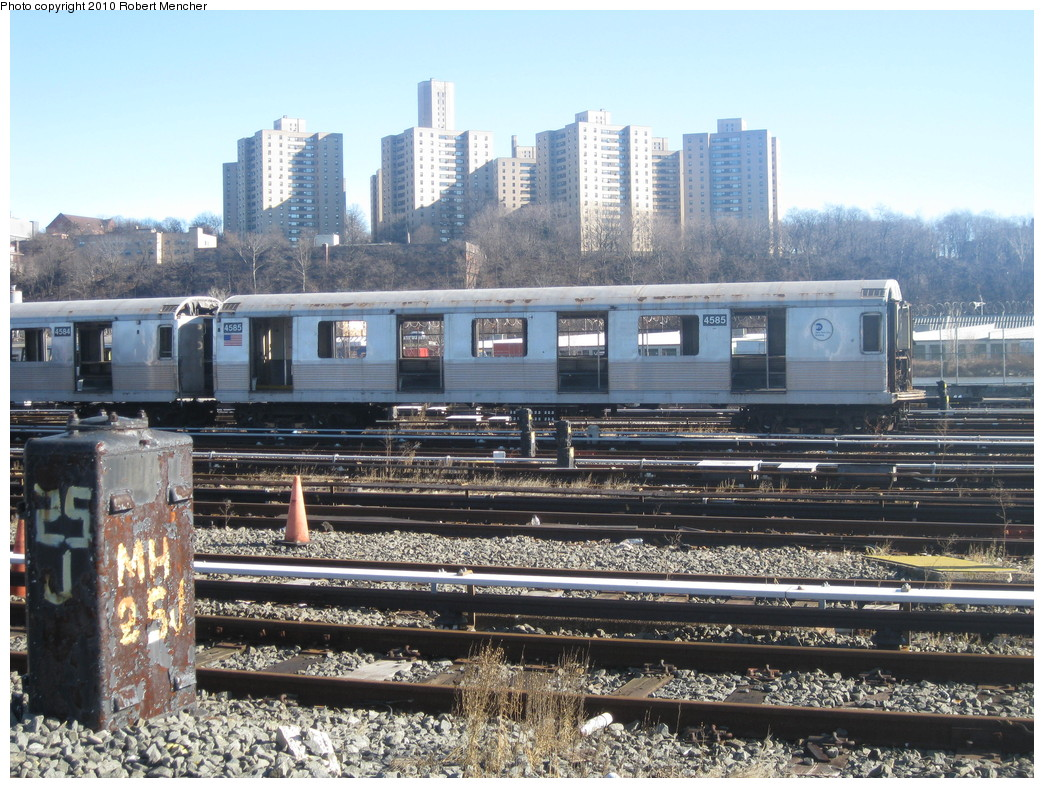 (285k, 1044x788)<br><b>Country:</b> United States<br><b>City:</b> New York<br><b>System:</b> New York City Transit<br><b>Location:</b> 207th Street Yard<br><b>Car:</b> R-42 (St. Louis, 1969-1970)  4585 <br><b>Photo by:</b> Robert Mencher<br><b>Date:</b> 1/18/2010<br><b>Notes:</b> Scrap<br><b>Viewed (this week/total):</b> 2 / 316