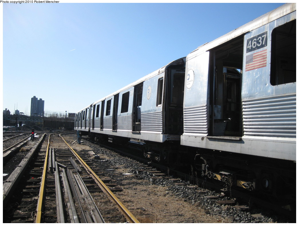(221k, 1044x788)<br><b>Country:</b> United States<br><b>City:</b> New York<br><b>System:</b> New York City Transit<br><b>Location:</b> 207th Street Yard<br><b>Car:</b> R-42 (St. Louis, 1969-1970)  4637 <br><b>Photo by:</b> Robert Mencher<br><b>Date:</b> 1/18/2010<br><b>Notes:</b> Scrap<br><b>Viewed (this week/total):</b> 3 / 306