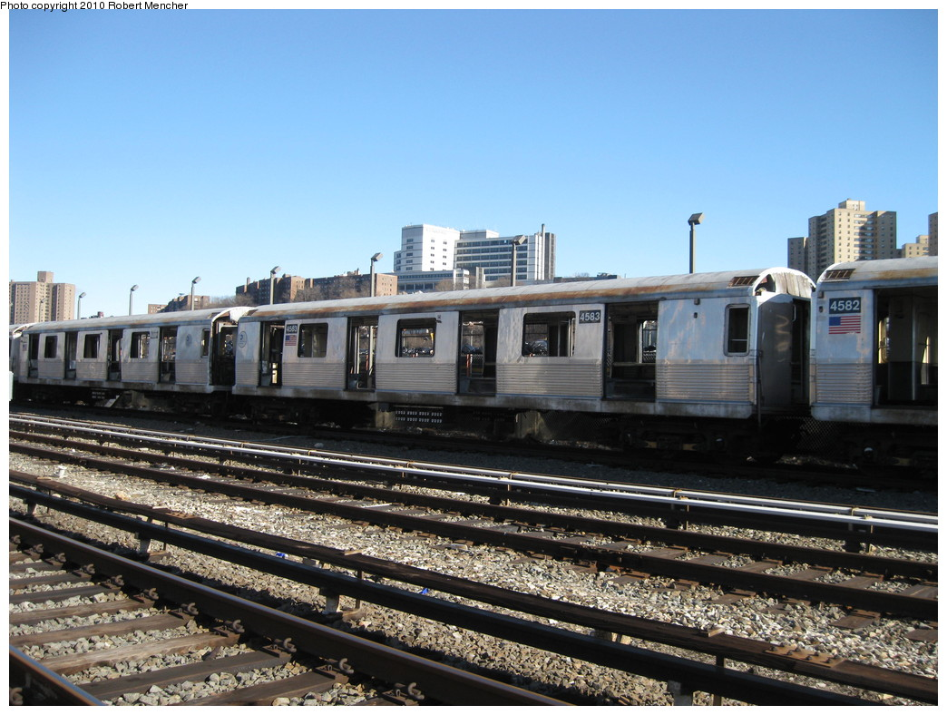 (239k, 1044x788)<br><b>Country:</b> United States<br><b>City:</b> New York<br><b>System:</b> New York City Transit<br><b>Location:</b> 207th Street Yard<br><b>Car:</b> R-42 (St. Louis, 1969-1970)  4583 <br><b>Photo by:</b> Robert Mencher<br><b>Date:</b> 1/18/2010<br><b>Notes:</b> Scrap<br><b>Viewed (this week/total):</b> 0 / 246