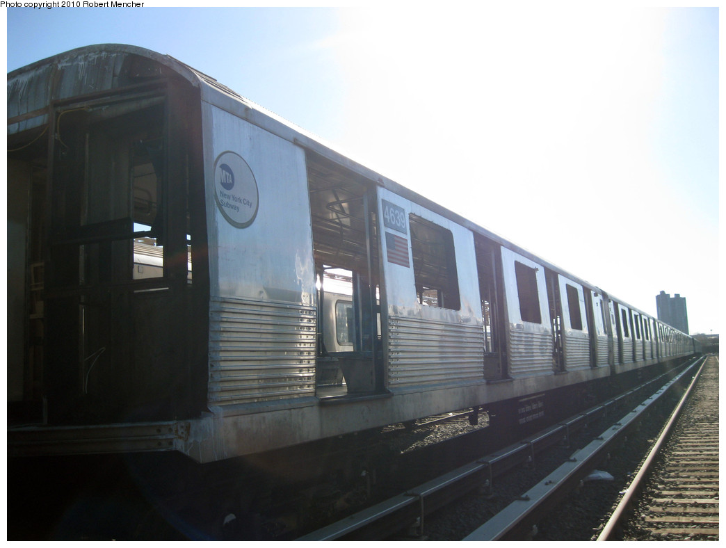 (178k, 1044x788)<br><b>Country:</b> United States<br><b>City:</b> New York<br><b>System:</b> New York City Transit<br><b>Location:</b> 207th Street Yard<br><b>Car:</b> R-42 (St. Louis, 1969-1970)  4639 <br><b>Photo by:</b> Robert Mencher<br><b>Date:</b> 1/18/2010<br><b>Notes:</b> Scrap<br><b>Viewed (this week/total):</b> 3 / 193