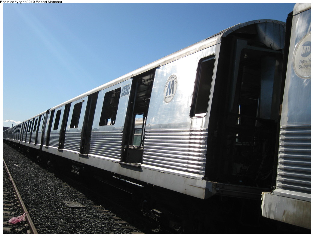 (184k, 1044x788)<br><b>Country:</b> United States<br><b>City:</b> New York<br><b>System:</b> New York City Transit<br><b>Location:</b> 207th Street Yard<br><b>Car:</b> R-42 (St. Louis, 1969-1970)  4571 <br><b>Photo by:</b> Robert Mencher<br><b>Date:</b> 1/18/2010<br><b>Notes:</b> Scrap<br><b>Viewed (this week/total):</b> 0 / 385