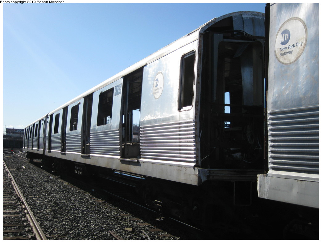 (192k, 1044x788)<br><b>Country:</b> United States<br><b>City:</b> New York<br><b>System:</b> New York City Transit<br><b>Location:</b> 207th Street Yard<br><b>Car:</b> R-42 (St. Louis, 1969-1970)  4742 <br><b>Photo by:</b> Robert Mencher<br><b>Date:</b> 1/18/2010<br><b>Notes:</b> Scrap<br><b>Viewed (this week/total):</b> 2 / 409